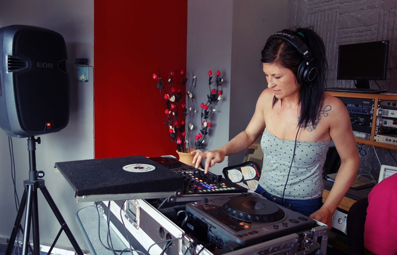 104.7 MORE FM - TRINI 2015